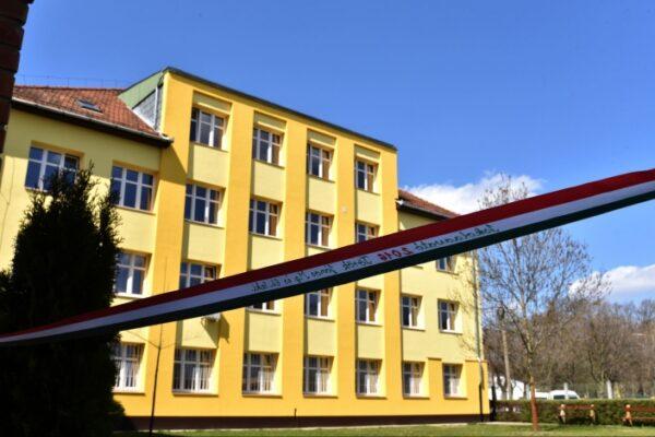 Az életet lefedő iskola